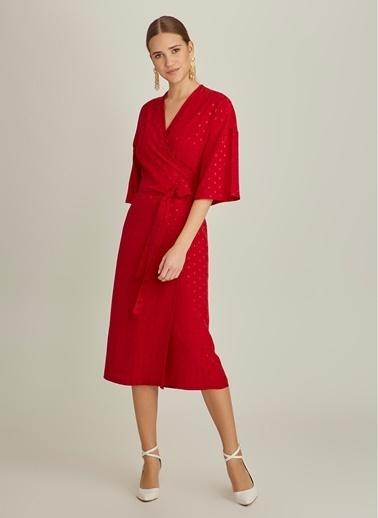 NGSTYLE Kruvaze Detaylı Jakar Kumaşlı Elbise Kırmızı